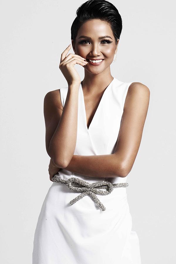 Hoa hậu HHen Niê bốc lửa - 2