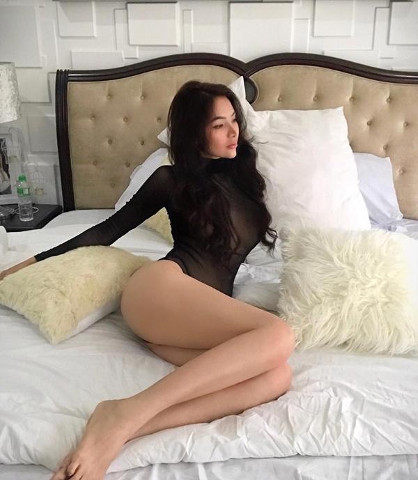 Cô cũng nhận được nhiều hợp đồng quảng cáo từ các thương hiệu nội y nổi tiếng.