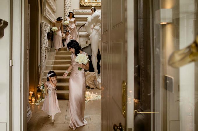 Tiệc cưới Gatsby của cặp hàng xóm trúng tiếng sét ái tình sau 10 năm gặp lại - 5