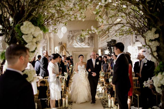 Tiệc cưới Gatsby của cặp hàng xóm trúng tiếng sét ái tình sau 10 năm gặp lại - 7
