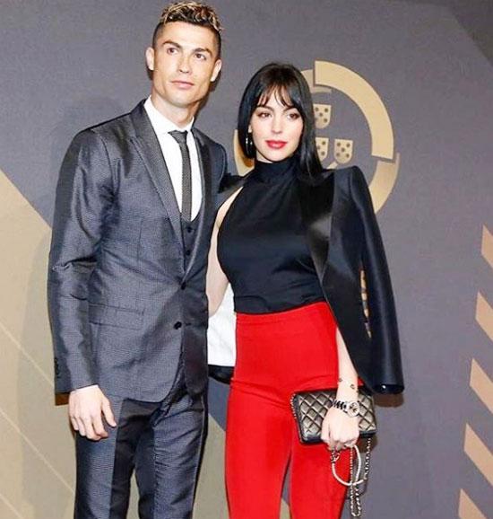 Chân dài Tây Ban Nha và siêu sao Real bên nhau một năm rưỡi qua và có một cô con gái.