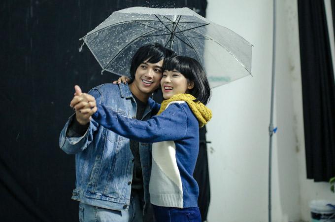 Tiến Vũ bật mí nụ hôn với Jun Vũ trên phim và Hoàng Yến Chibi trong buổi chụp ảnh đều đáng nhớ.