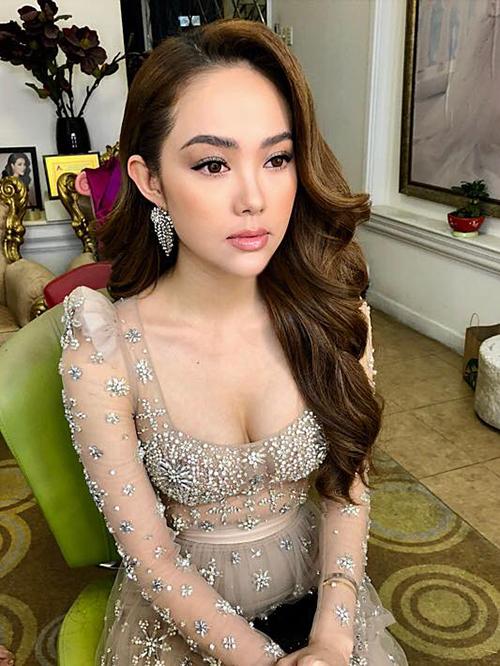 Chuyên viên trang điểm Minh Lộc hé lộ hình ảnh như nữ thần của Minh Hằng khi đi dự sự kiện.