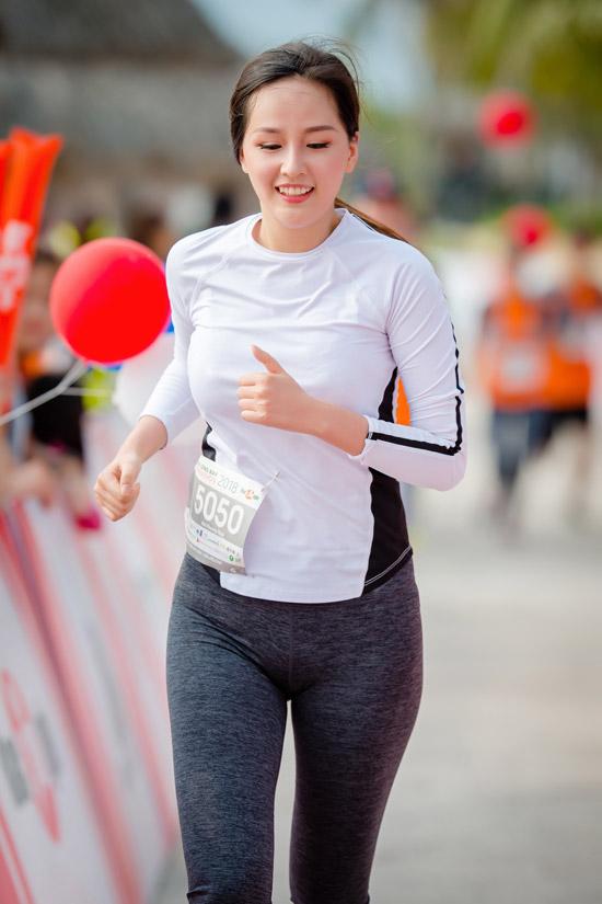 Mai Phương Thúy chia sẻ, từ nhiều năm nay cô đã chạy marathon để rèn luyện sức khỏe. Cô có thói quen chạy bộ vào mỗi sáng.