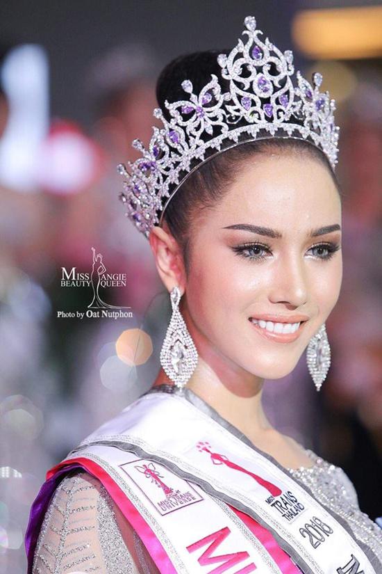 Nhan sắc Hoa hậu chuyển giớiIssaree Natt Mungman.
