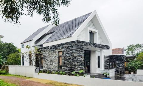 Ngôi nhà hình chữ A tràn ngập ánh sáng của kiến trúc sư Quảng Bình