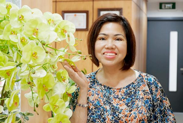 Cô Mai Oanh trẻ trung sau phẫu thuật cắt mí.