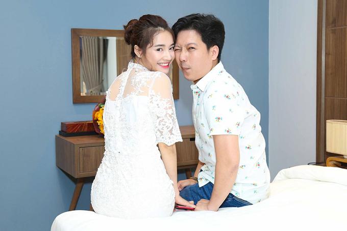 Giữa năm 2017, tin đồn Trường Giang và Nhã Phương chia tay xuất hiện khi hai người hủy kết bạn với nhau trên Facebook.