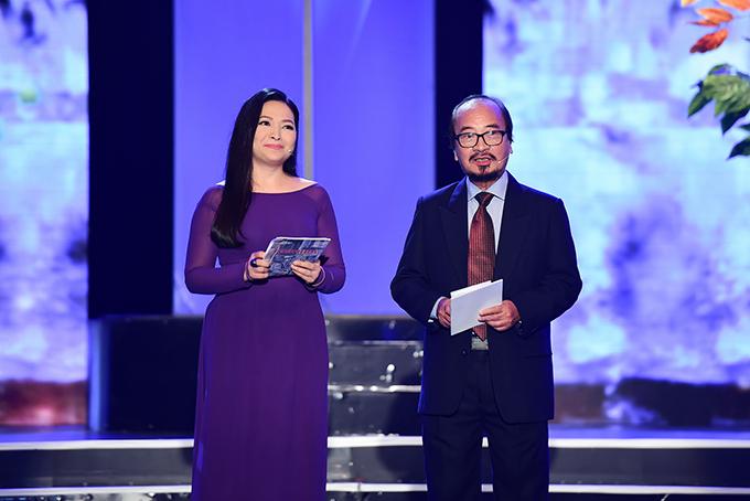 Dẫn chương trình là MC Quỳnh Hương và nhạc sĩ Trần Hữu Bích.