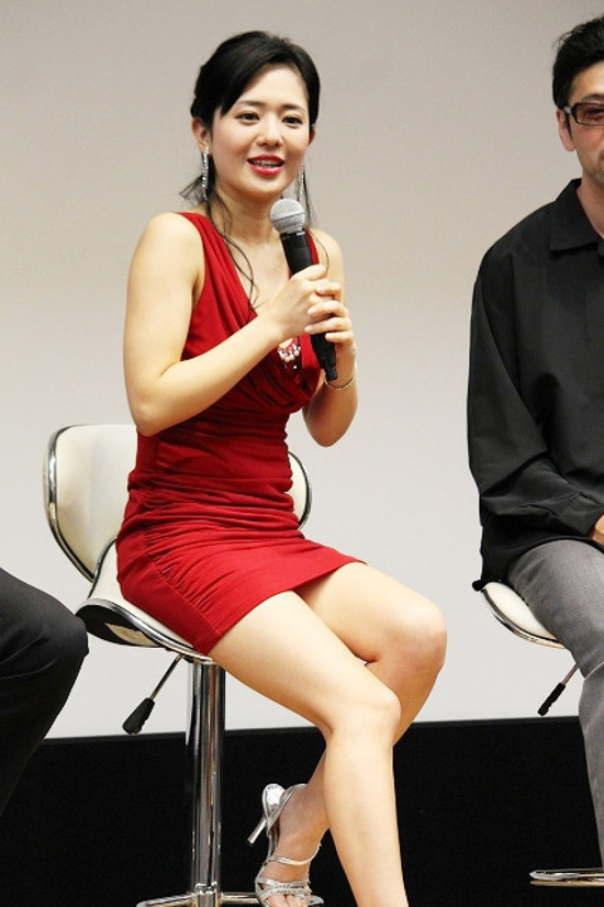 Sao phim AV Aoi Sora tiết lộ chồng không bận tâm khi vợ đóng cảnh nóng - 3