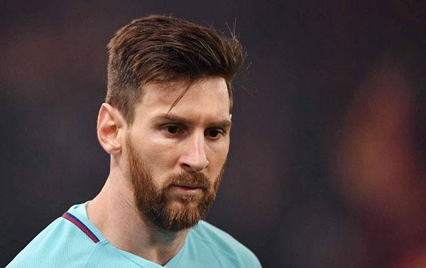 Gương mặt buồn rầu, thất thần của Messi khi để thua sốc trước đối thủ bị đánh giá yếu hơn.