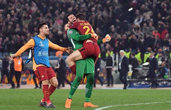 Dzeko, De Rossi và Manolas là những người ghi bàn, mang về chiến thắng diệu kỳ cho đại diện Serie A, tạo ra một trận đấu đầy cảm xúc và bất ngờ.