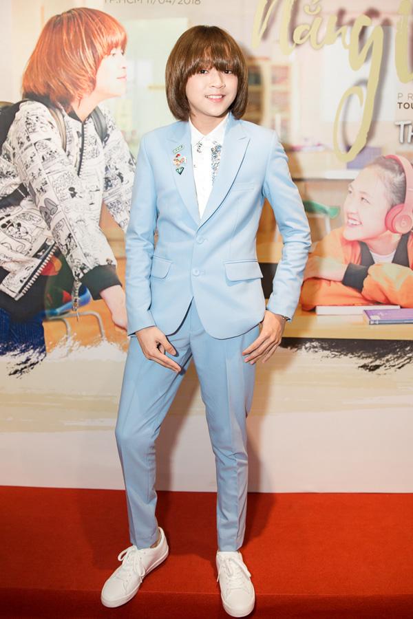 Thiên Khôi 13 tuổi, là quán quân Thần tượng âm nhạc nhí 2017.
