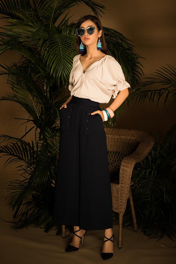 Những xu hướng mới về váy áo cách điệu được giới trẻ châu Á yêu thích đều được nhà mốt Việt cập nhật nhanh nhậy.