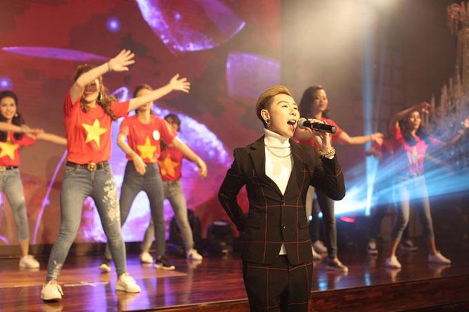 Tiên Cookie và thí sinh nhảy flashmob mở màn chung kết Queen of the spa - ảnh 2