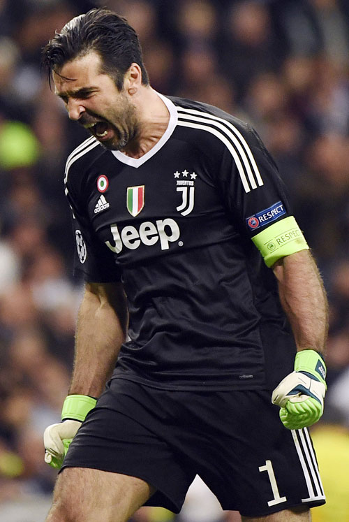 Buffon bị đuổi phút bù giờ, Juve gục ngã trước ngưỡng cửa thiên đường - 9