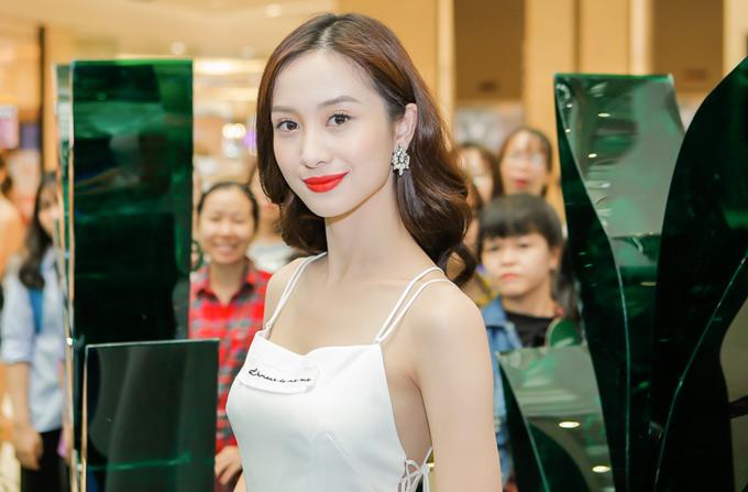 Sau thành công của vai diễn Tuyết Anh, Jun Vũ đắt show đi sự kiện và được nhiều nhãn hàng săn đón, mời hợp tác.