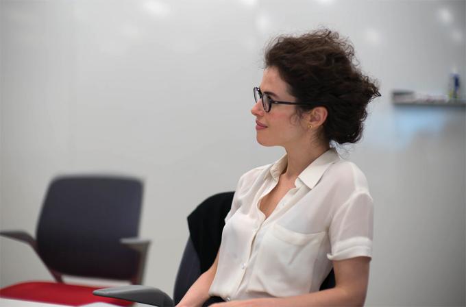 Neri Oxman là giáo sư xinh đẹp và tài năng của Viện công nghệ Massachusetts.