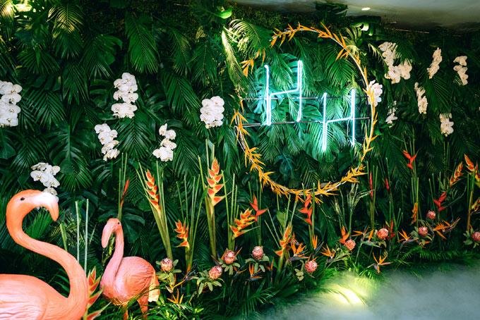 Tiệc cưới chủ đề Rừng nhiệt đới trong khách sạn 5 sao tại TP HCM - 2