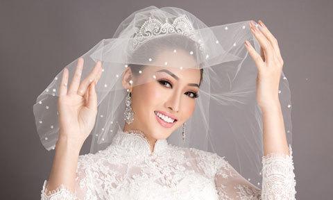 Makeup phong cách cổ điển, tông cam hồng pastel cho ngày cưới