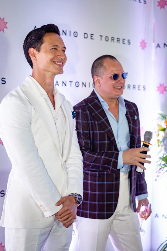 Kim Lý bảnh bao tại sự kiện khai trương cửa hàng của NTK Antonio De Torres.