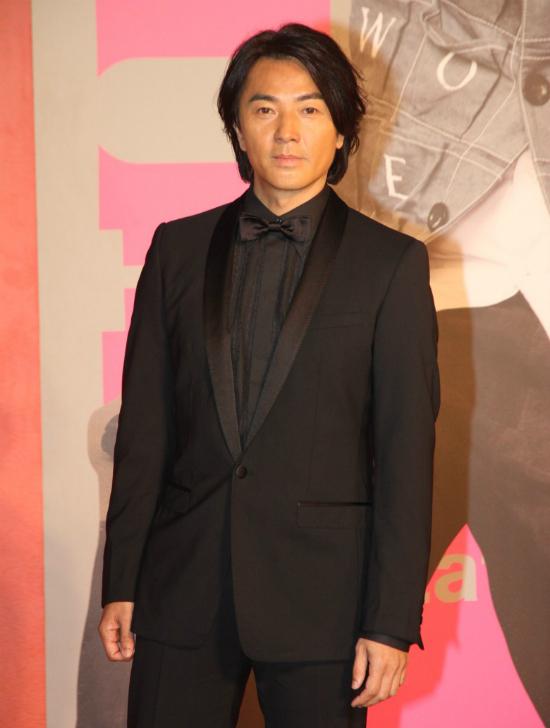 Nam diễn viên Trịnh Y Kiện.