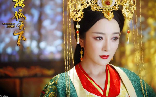 Tạo hình xinh đẹp sắc sảo của Lý Y Hiểu trong bộ phim đình đám Độc cô thiên hạ.