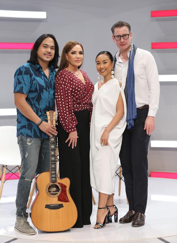 Ca sĩ Thanh Hà và bạn trai kém tuổi Roland cũng là khách mời trong chương trình này.