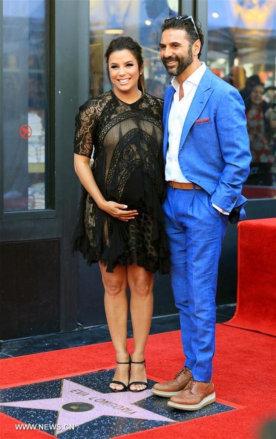 Eva Longoria bế bụng bầu tới lễ gắn sao trên Đại lộ Danh vọng Hollywood - ảnh 7