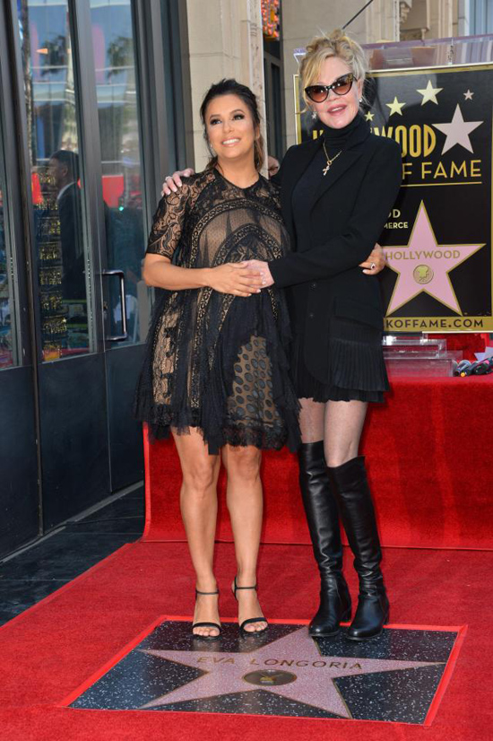 Eva Longoria bế bụng bầu tới lễ gắn sao trên Đại lộ Danh vọng Hollywood - ảnh 8