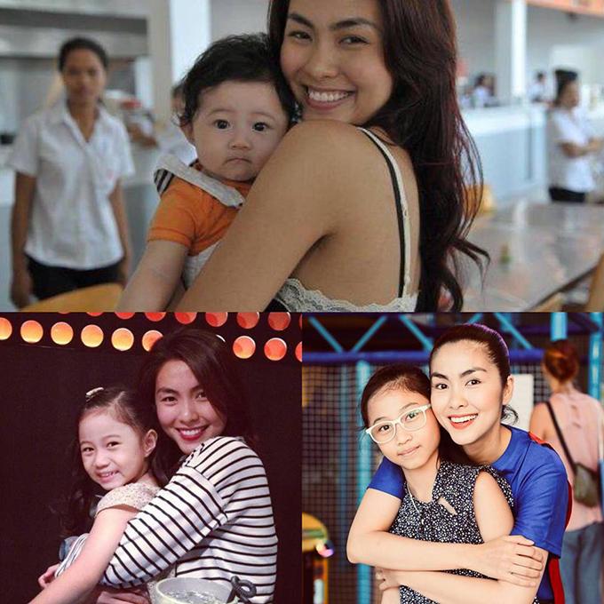 Bà xã Phạm Anh Khoa tổng kết lại hình ảnh sau 10 năm của con gái và cô bạn thân Tăng Thanh Hà: 10 năm con lớn lên mà sao cô vẫn vậy, chỉ có xinh và tươi hơn thôi cô Sẻ nhỏ ơi!.