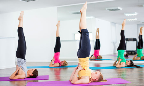 5 tư thế yoga giúp đánh tan bọng mắt