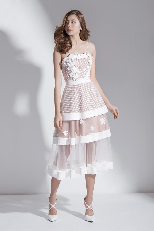 Xây dựng vẻ đẹp tiểu thư với váy đi tiệc dáng ngắn - 1