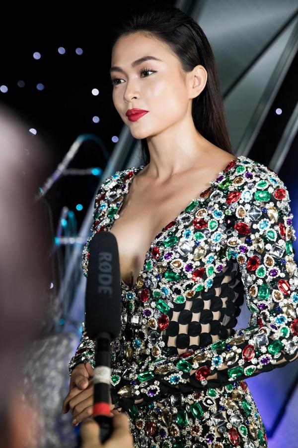 Người đẹp muốn hoàn thiện bản thân mỗi ngày để chinh phục được nhiều khán giả.