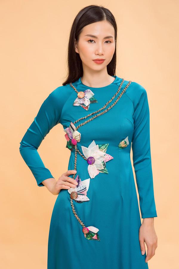 Trần Thanh Thủy được phát hiện từ khi thi Vietnams Next Top Model 2011. Chân dài quê Nha Trang hiện là gương mặt quen thuộc trên sàn diễn TP HCM.