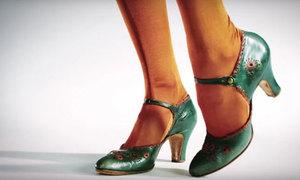 Sự thay đổi 'chóng mặt' của giày cao gót qua 100 năm