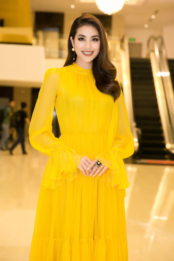 Người đẹp Hải Phòng có nhiều kinh nghiệm làm mẫu trước khi trở thành Hoa hậu và còn được đánh giá có gu ăn mặc nên được nhiều người chờ đợi trình làng bộ sưu tập.
