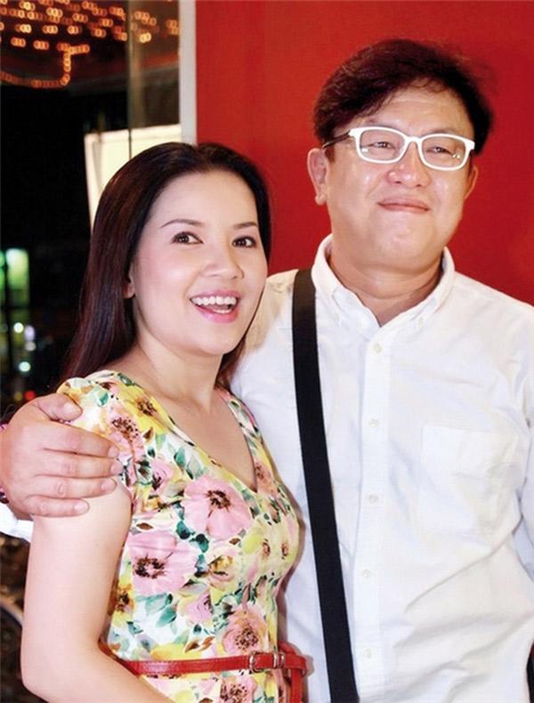 Ngọc Trinh khẳng định vợ chồng cô vẫn êm ấm sau 9 năm chung sống.