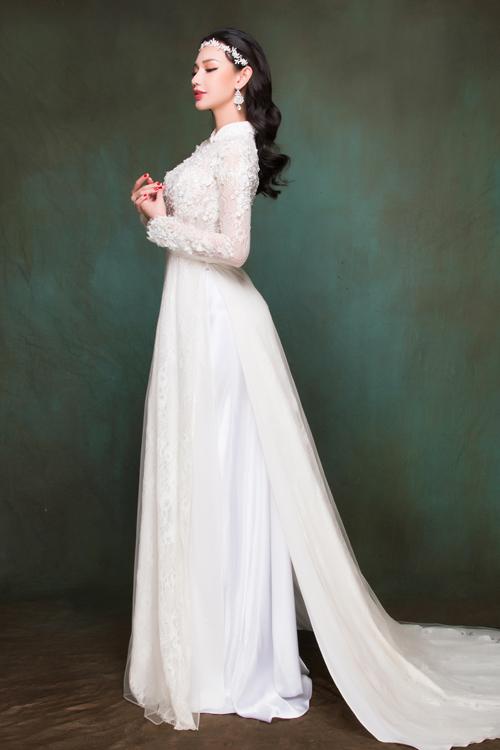 Sắc trắng và những gam màu dịu nhẹ là ưu tiên hàng đầu nếu bạn muốn có một vẻ đẹp trong sáng, tinh khôi.