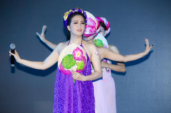 Ca sĩ Đinh Hiền Anh khoe ngực đầy, eo thon khi dự sự kiện - 6