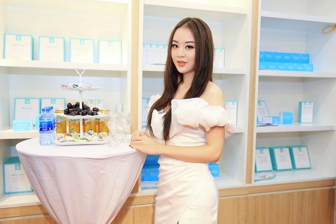 Á hậu Tú Anh, Hoa hậu Dương Thuỳ Linh rạng rỡ dự sự kiện - 10