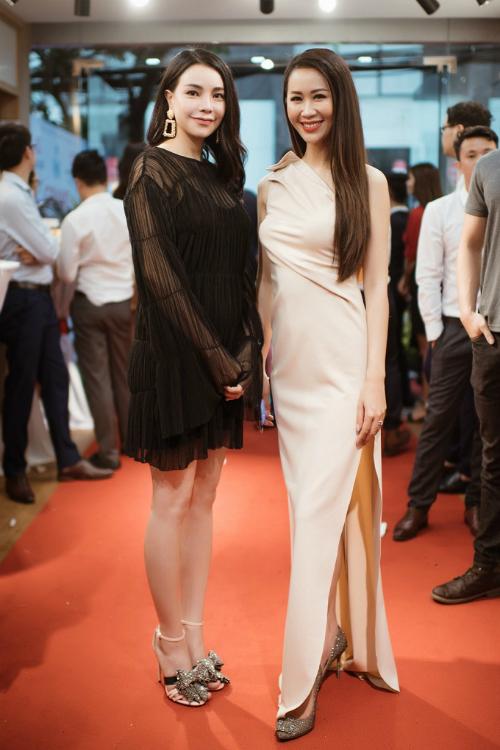 Á hậu Tú Anh, Hoa hậu Dương Thuỳ Linh rạng rỡ dự sự kiện - 5