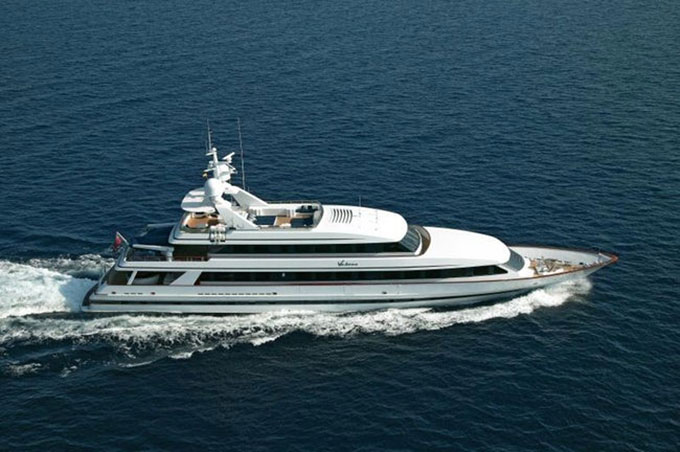 Nghệ sĩ guitar người Anh Eric Clapton sở hữu chiếc du thuyền Va Bene từ năm 2005.