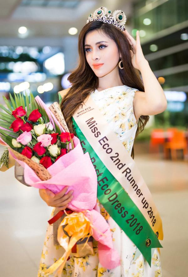 Ngoài danh hiệu Á hậu 2, Thư Dung còn được trao giải Trang phục Eco đẹp nhất.
