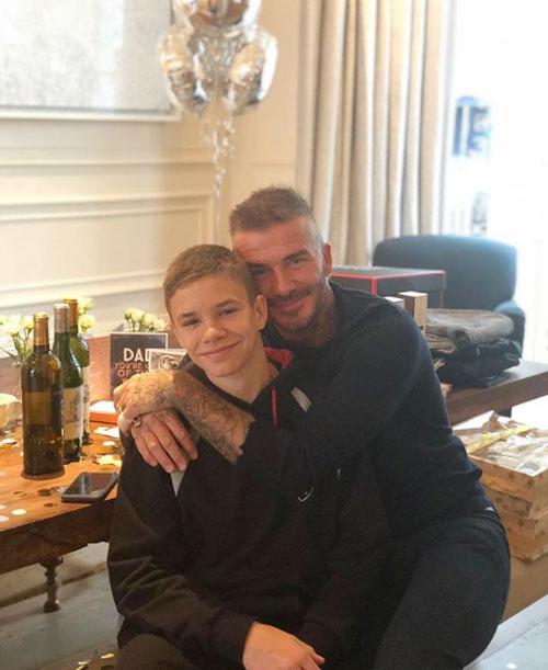 Cậu hai Romeo cũng đăng ảnh thân thiết bên bố, chúc mừng sinh nhật ông bố nổi tiếng.