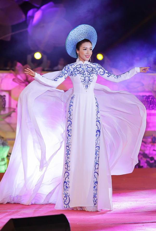 Trở về sau cuộc thi Hoa hậu siêu quốc gia 2017, Khánh Phương vẫn hoạt động trong làng giải trí với vai trò người mẫu.