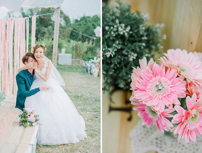 Những khóm hoa baby, hoa đồng tiền đem lại vẻ đẹp cổ điển, trang nhã cho đám cưới.