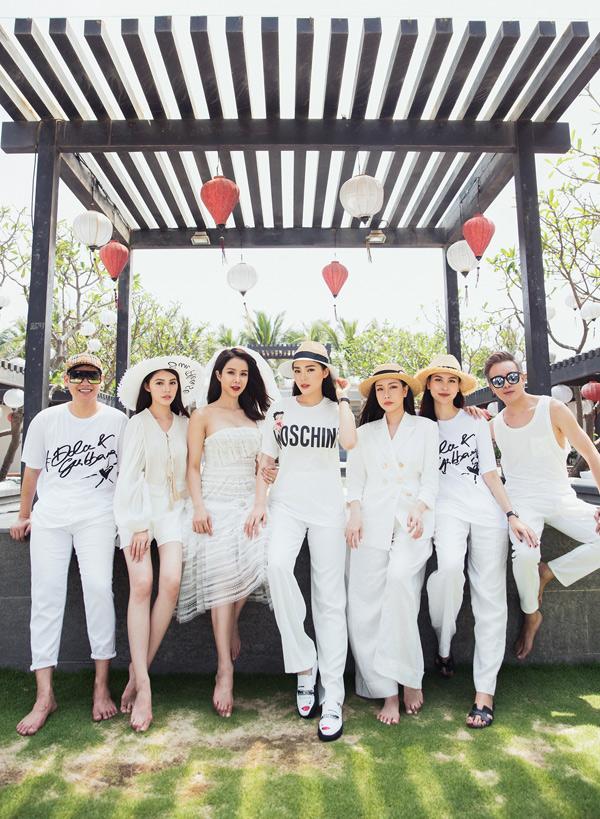 Kỳ Duyên hy vọng sẽ Diệp Lâm Anh lấy chồng nhưng không bỏ cuộc chơi. Hoa hậu mong có nhiều dịp tụ tậpvới cô bạn thân.