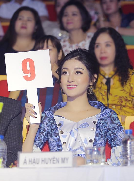 Huyền My làm giám khảo sau khi lọt top Hoa hậu đẹp nhất thế giới 2017 - 4