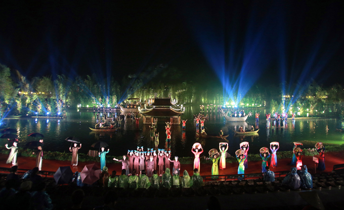 Sân khấu rộng hàng nghìn m2 của Tinh hoa Bắc bộ.